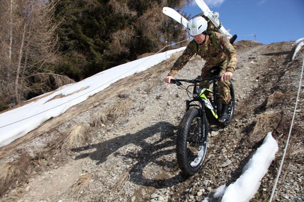 Sperimentazione delle e-bike adatte per il mountain warfare