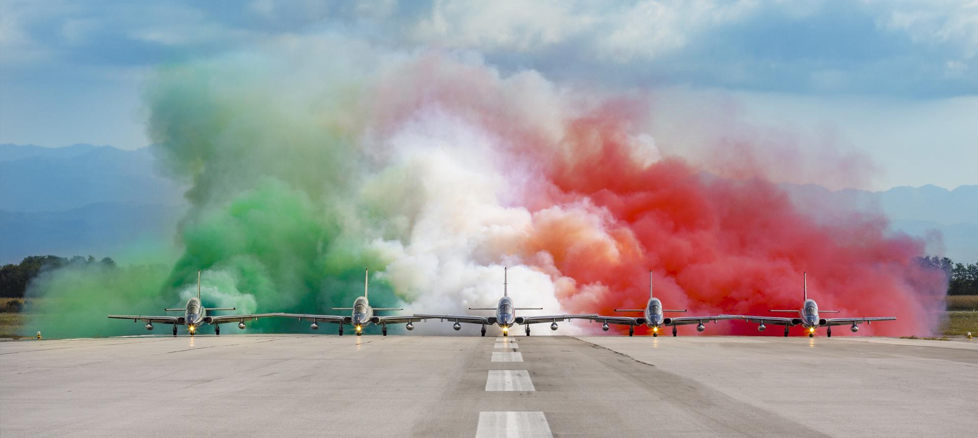Foto delle Frecce Tricolori in formazione